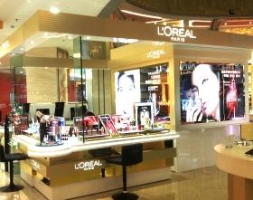 欧莱雅化妆品展柜